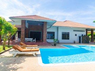 Baan Oriental, Chic Pool Villa in Ao Nang, Krabi - Ao Nang vacation rentals