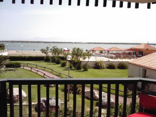 Cozy 2 bedroom Le Barcares Condo with Satellite Or Cable TV - Le Barcares vacation rentals