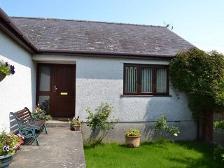 3 bedroom House with Parking in Beaumaris - Beaumaris vacation rentals