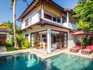 3bdrs 5min walk to Seminyak Beach - Villa Bewa - Kuta vacation rentals