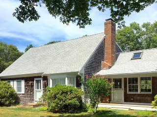 Bright 4 bedroom House in East Falmouth - East Falmouth vacation rentals