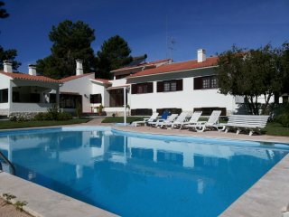 villa with private pool and garden - Seixal vacation rentals