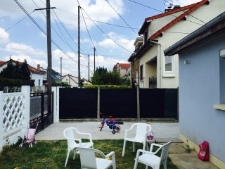 airport orly house with a garden - Paray-Vieille-Poste vacation rentals