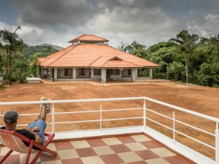Comfortable 3 bedroom Farmhouse Barn in Sakleshpur - Sakleshpur vacation rentals