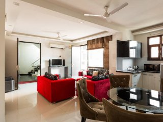 Luxury Prestige Apartment 3BHK at cheapest price - New Delhi vacation rentals