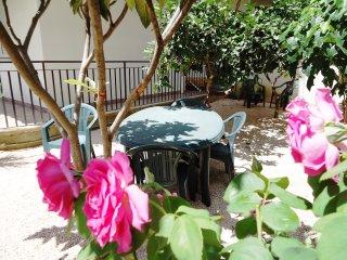 Relax,comfort e...ottimo rapporto qualita'-prezzo! - Calatabiano vacation rentals