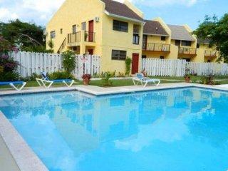 Comfortable Apt&CAR in classy west! (NASSAU) - Nassau vacation rentals