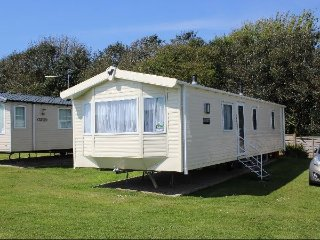 Nice Caravan/mobile home with Internet Access and Wireless Internet - Pagham vacation rentals