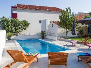 Leonarda - luxury & private pool - Kastel Sucurac vacation rentals