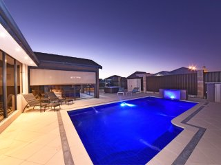 Lovely House with Deck and Internet Access - Jindalee vacation rentals