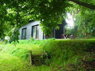 Nice House with Internet Access and Satellite Or Cable TV - Saint-Pierre-de-Cormeilles vacation rentals