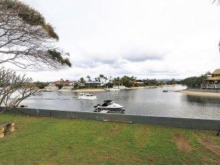 Waterfront, beach close by, 5 bedrooms, sleeps 13. - Mermaid Waters vacation rentals