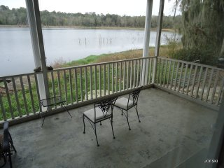 Bright 4 bedroom Live Oak House with Central Heating - Live Oak vacation rentals