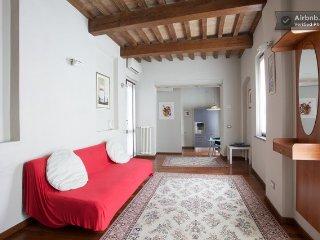 DIAMOND HOUSE PARMA (AC) - Parma vacation rentals