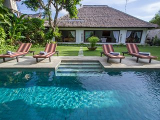 3 BRD BOOK EARLY AND ENJOY SAVE UP 25% - Legian vacation rentals