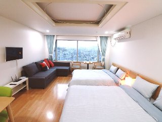 10secs(sub) Amazing location at hongdae,Seoul - Seoul vacation rentals