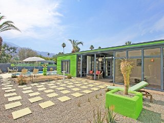 "Celeb Pool Home as""Seen on TV"" House Hunters  Show - Palm Springs vacation rentals"
