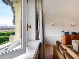Louvre / Palais Royal Luxury Two Bedroom - Paris vacation rentals