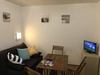 Nice Condo with Parking Space and Television - Canet-Plage vacation rentals