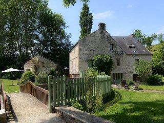 Charme, Nature et Spa au bord de la rivière - Carcagny vacation rentals