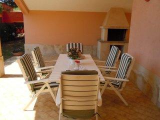 Villa Futura a 500 m dal mare - Fontane Bianche vacation rentals