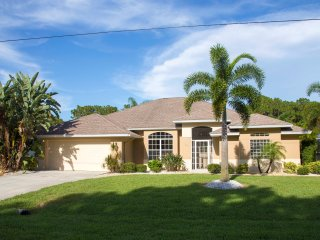 3 Bedroom Villa with Spacious Lanai - Englewood vacation rentals