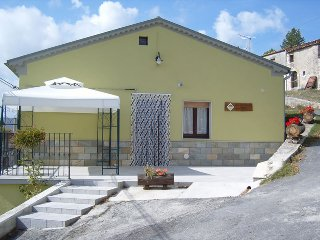 Nice House with Internet Access and Wireless Internet - Vastogirardi vacation rentals