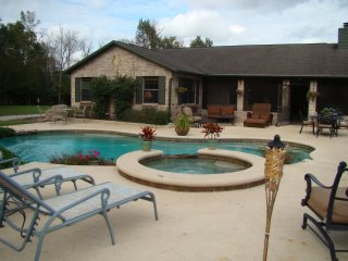 4 BR / 2 BA Gated Equestrian Home With Pool & Spa - Christmas vacation rentals