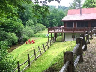 Barefoot Retreat, Streamside Home, Pet-Friendly - Cashiers vacation rentals