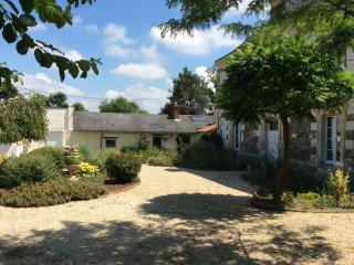 La Boissotiere,Gite in CERSAY 2 bedrooms, 4 people - Argenton-l' Eglise vacation rentals