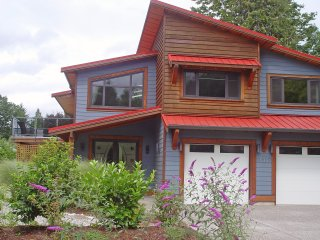New & spacious vacation apartment near the lake - Harrison Hot Springs vacation rentals