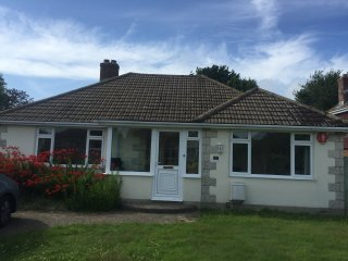 4 Bedroom Bungalow just 5 mins walk from the sea! - Lymington vacation rentals