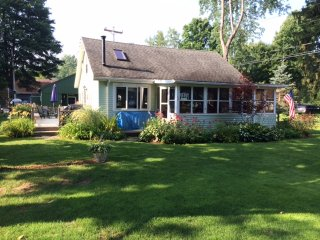 Cozy 3 bedroom Cottage in Mayville - Mayville vacation rentals