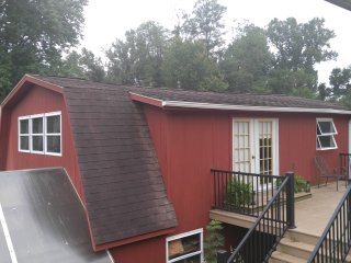 Bright Barn in Christiana with Housekeeping Included, sleeps 4 - Christiana vacation rentals