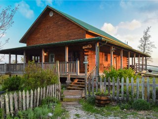 Sunset Point Cabin of the Mountain Springs Cabins - Ponca vacation rentals