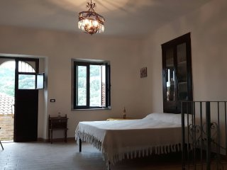 Nice Villa with A/C and Satellite Or Cable TV - Galatro vacation rentals
