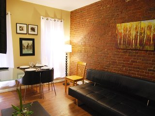 (8427) Urban 3 bedroom apartment in Midtown South - Manhattan vacation rentals