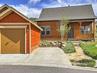 New Listing! Sensational 3BR Granby House w/Wifi, Patio & Extraordinary Rocky Mountain Views - Amazing Skiing & Hiking Right Outside the Backdoor! - Granby vacation rentals
