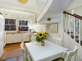 Welcoming and Homely Escape in Coogee - Coogee vacation rentals