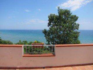 Casa Vacanze Capo Rizzuto a 10M dal Mare - Isola di Capo Rizzuto vacation rentals