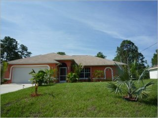 Cozy 3 bedroom House in Lehigh Acres - Lehigh Acres vacation rentals