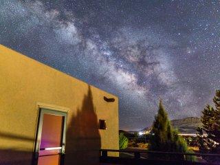 Quiet 3BR nr golf w/ deck, pvt hot tub, rim views - Moab vacation rentals
