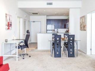 Modern 1BR Studio - Hollywood Blvd - Los Angeles vacation rentals