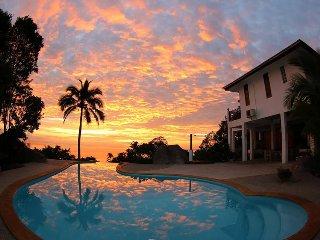 Sairee Sunset Luxury Villa - Koh Tao vacation rentals
