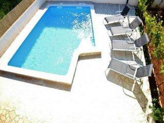 Beautiful 2 bedroom Apartment in Loborika with Internet Access - Loborika vacation rentals