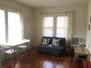 Cozy Condo with Elevator Access and Television - Los Angeles vacation rentals