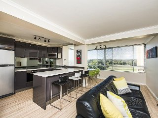 2 bedroom Apartment with Internet Access in Shenton Park - Shenton Park vacation rentals