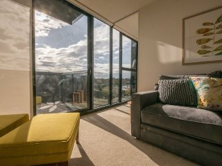 Walk To Village 1 BR VIEWS APT+WIFI - Melbourne vacation rentals