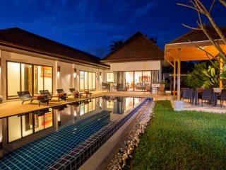 Villa Suksan Rawai 4 bedroooms by Holiplanet - Rawai vacation rentals