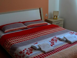Bright 4 bedroom Condo in Grabovac - Grabovac vacation rentals